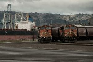 BNSF engines idle at the site of the Tesoro-Savage oil terminal in Vancouver. Paul K. Anderson, Chuckanut Conservancy